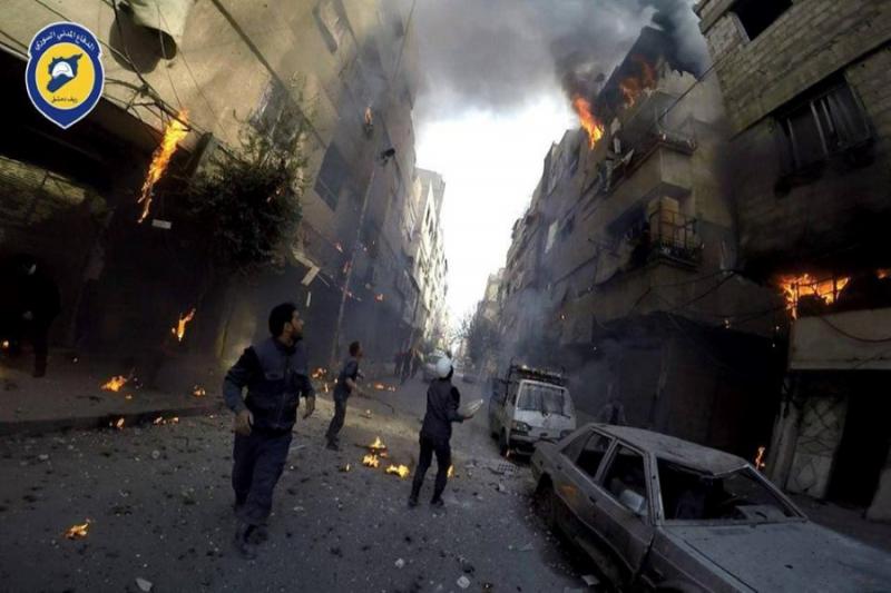 استهداف مدينة دوما بـ 18 صاروخاً وعشرات القذائف منذ الصباح