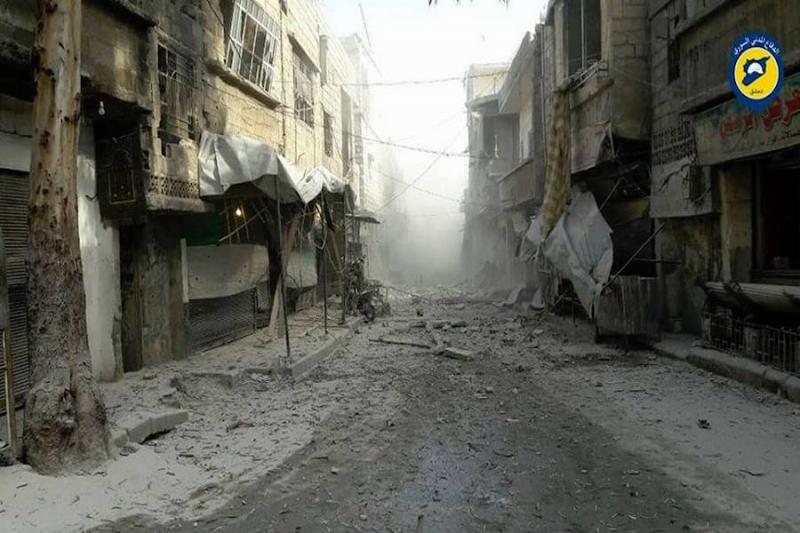 قصف مكثف على القابون وبرزة لليوم الثاني على التوالي، وقوات النظام تمنع خروج المدنيين