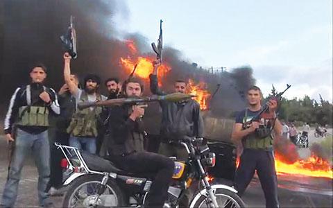 انشقاقات كبيرة في إدلب على وقع القصف والاشتباكات