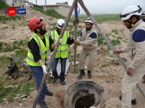 أخبار سوريا_ اكتشاف مقبرة جماعية داخل جب في ريف إدلب، والمجاهدون يحرزون تقدماً كبيراً على جبهات حماة واللاذقية وحلب_ (11-3- 2015)