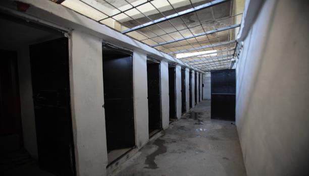 النظام السوري يضاعف حصار سجن حماة ويعطّل فرن الخبز