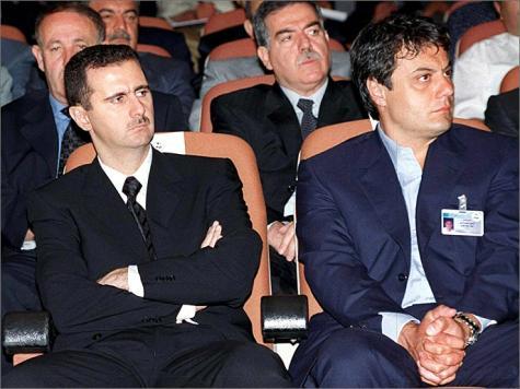 انشقاق العميد مناف طلاس مؤشر على بدء تفكك الدائرة الضيقة حول الأسد