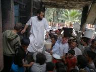 في الرقة طعام مجاني للفقراء يرفضه تنظيم الدولة