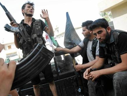 بدء الهجوم البري على حلب.. و«الجيش الحر» يستعيد حي «صلاح الدين» وتصعيد أمني بالعاصمة