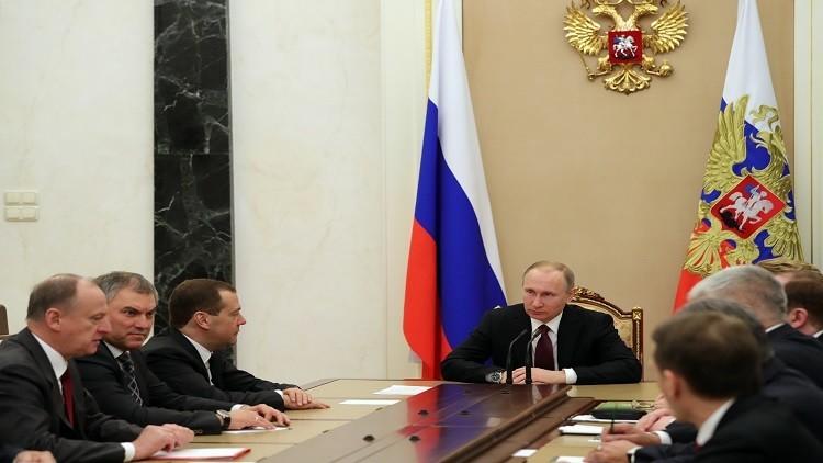 موسكو: موقف الكرملين ووزارة الدفاع واحد تجاه التصرفات الأمريكية في سوريا
