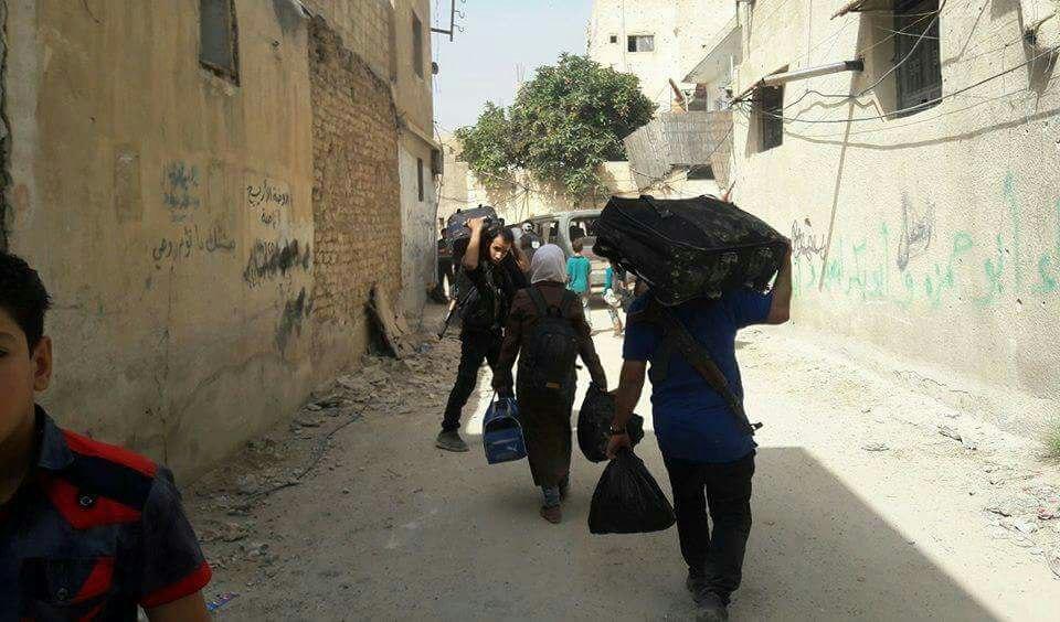 اختتام المرحلة الأولى من عملية تهجير أهالي القابون بخروج 2300 شخص