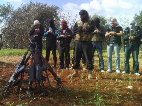 الثوار السوريون يشكون قلة المؤونة