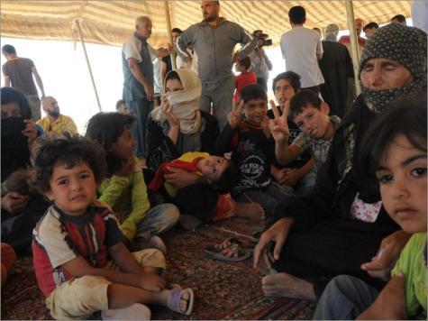 5800 لاجئ سوري عبروا للأردن الاثنين