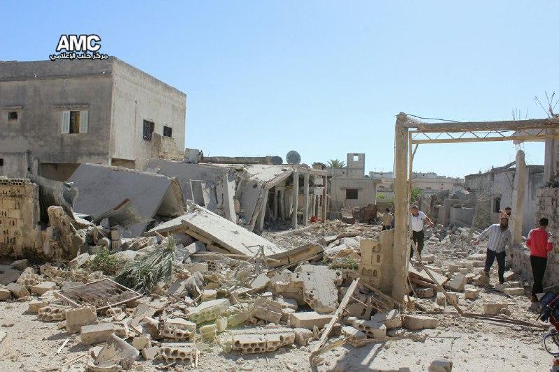 عشرات الشهداء والجرحى جراء قصف عنيف لقوات النظام على الغوطة الشرقية وريف حمص