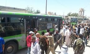 وصول 8 حافلات من مهجري حلب إلى الريف الغربي.. والدفعة الأخيرة من الثوار تستعد للمغادرة