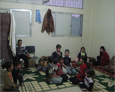 100 ألف لاجئ سوري شهرياً.. ومقاتلون أجانب يدعمون الأسد