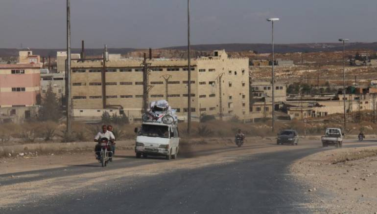 نشرة أخبار سوريا- لليوم الثالث على التوالي.. الـ PYD تساند قوات النظام في قطع طريق الكاستيلو في حلب، والزعبي: 80 ألف مقاتل إيراني في سوريا -(18-5-2016)