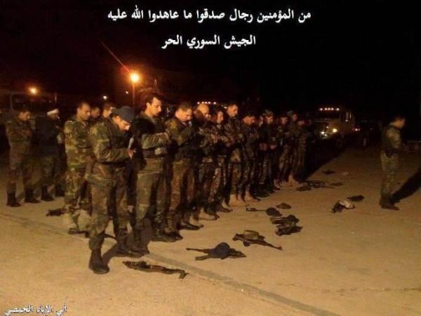 شتان ما بين جيش يسجد لله وجيش يسجد للأسد... الجيش الحر يمثلني