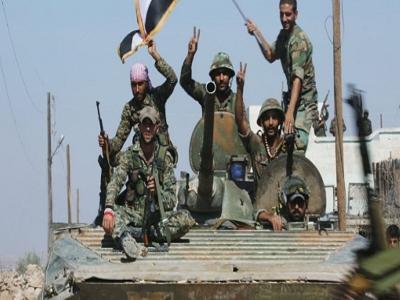 لضم عشرات العناصر إلى صفوفها ... قوات الأسد تجبر الموظفيين بدير الزور على الالتحاق بـ