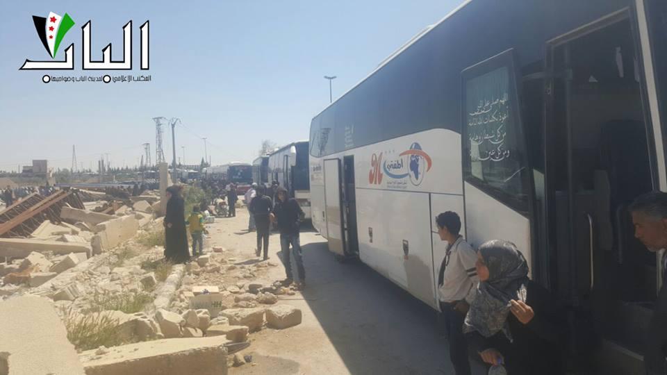 الدفعة السادسة من مهجري الوعر تصل إلى الباب بريف حلب الشرقي