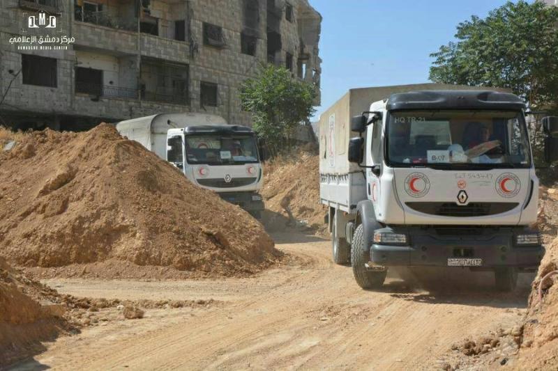 دخول قافلة مساعدات أممية إلى ريف دمشق بعد عرقلتها من قبل النظام
