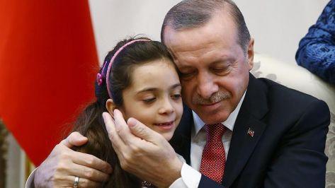 أردوغان يستقبل الطفلة