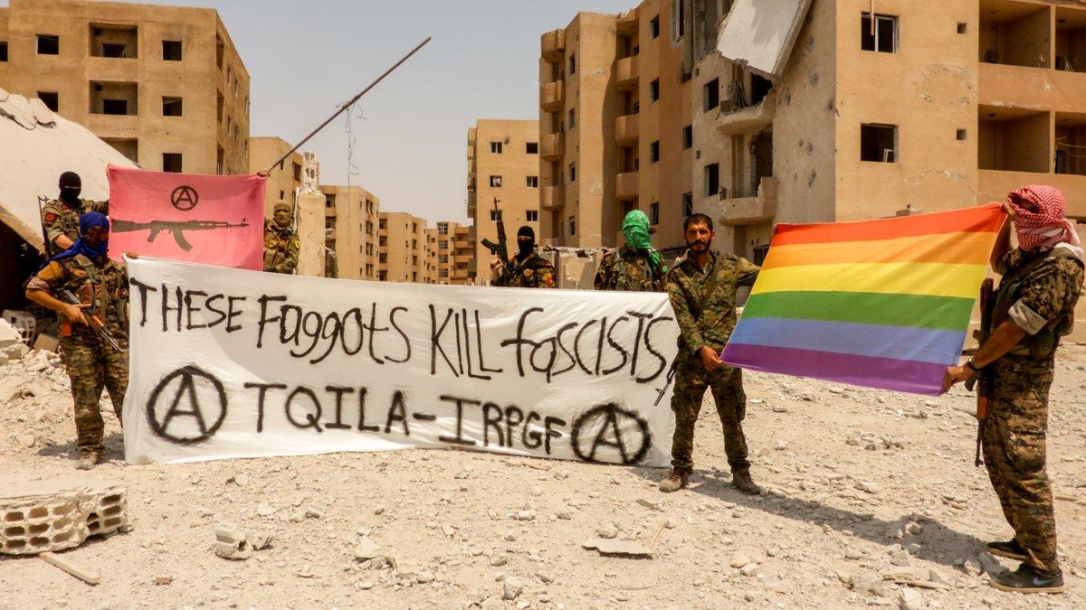 مجموعة من المثليين الشواذ يشكلون كتيبة لمحاربة داعش