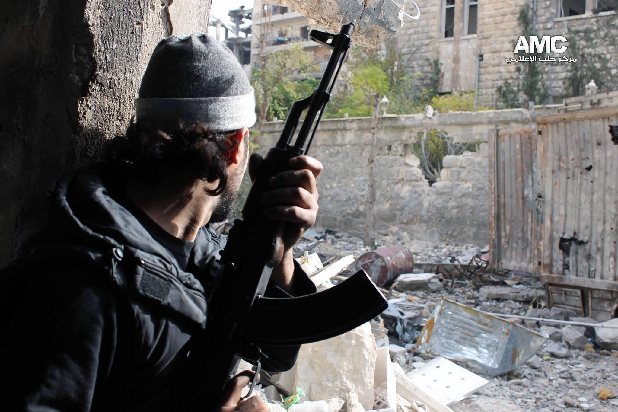 نشرة أخبار سوريا- المجاهدون يقطعون طريق إمداد قوات الأسد في منطقة الراموسة بحلب، والائتلاف يطالب التحالف الدولي بتعليق ضرباته على خلفية مجزرة منبج -(20_7_ 2016)