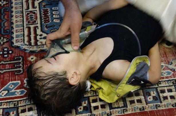 أخبار سوريا_ قوات أسد تقصف سرمين بإدلب والبريج بحلب بالغازات السامة، والمجاهدون يتقدمون في باشكوي بريف حلب الشمالي_(16-3- 2015)