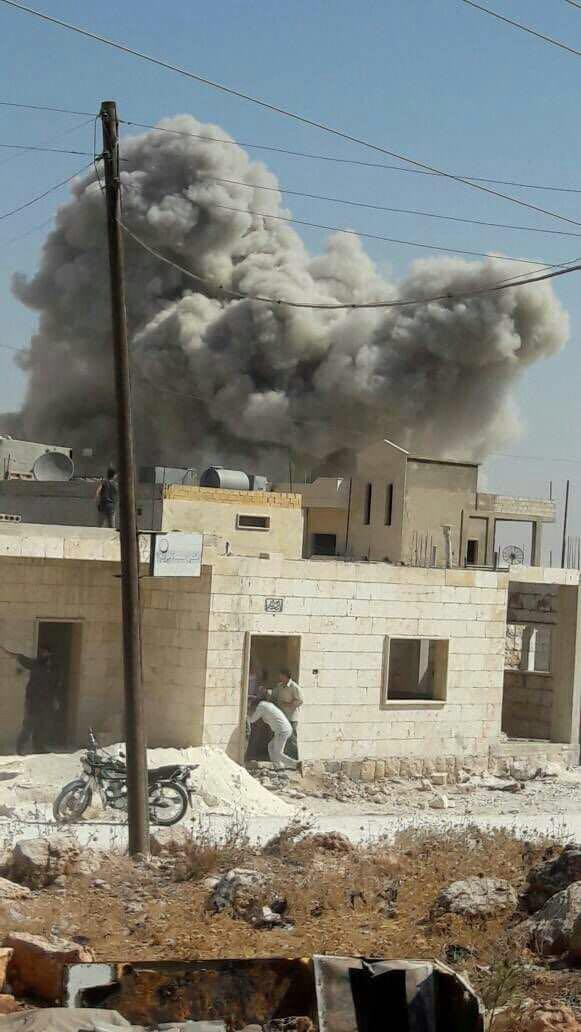 40 غارة جوية على ريف إدلب منذ الصباح، ودمار كبير في المراكز الخدمية