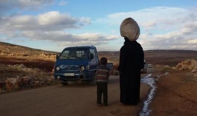 نساء ريف حماة الغربي.. معاناة من حواجز النظام
