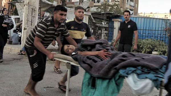 6 أشهر على حصار الوعر: جوع وقصف وتجار حرب