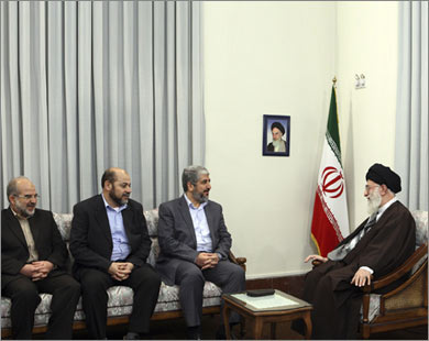 لماذا على حماس الابتعاد عن إيران اليوم وليس غداً ؟