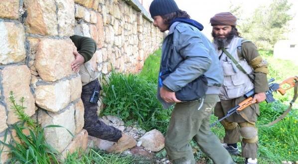 أخبار سوريا- قتل 135 عنصراً من قوات أسد واغتنام 7 دبابات وأسلحة ومستودعات ذخائر في معسكر القرميد، وإطلاق معركة