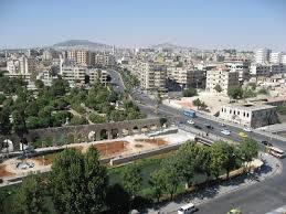 دير الزور المنسية في شرق سوريا.. مقسمة بين سلطتين وحصارين