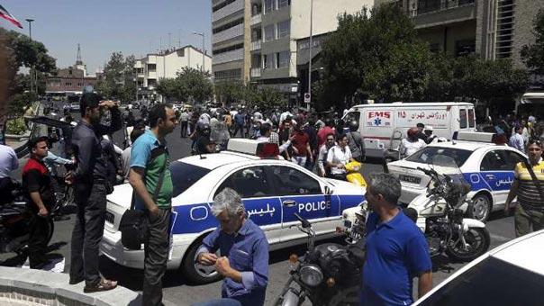 لأول مرة.. قتلى وجرحى في هجمات مسلحة في طهران.. وتنظيم الدولة يتبنى