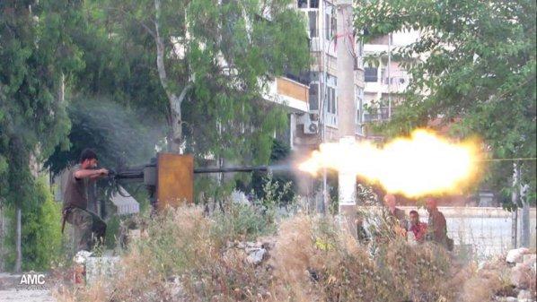 نشرة أخبار سوريا- معارك عنيفة بين المجاهدين و قوات أسد وعناصر تنظيم الدولة في أحياء جنوب دمشق، ونسف نفق لقوات الأسد في حلب -(31_8_2015)