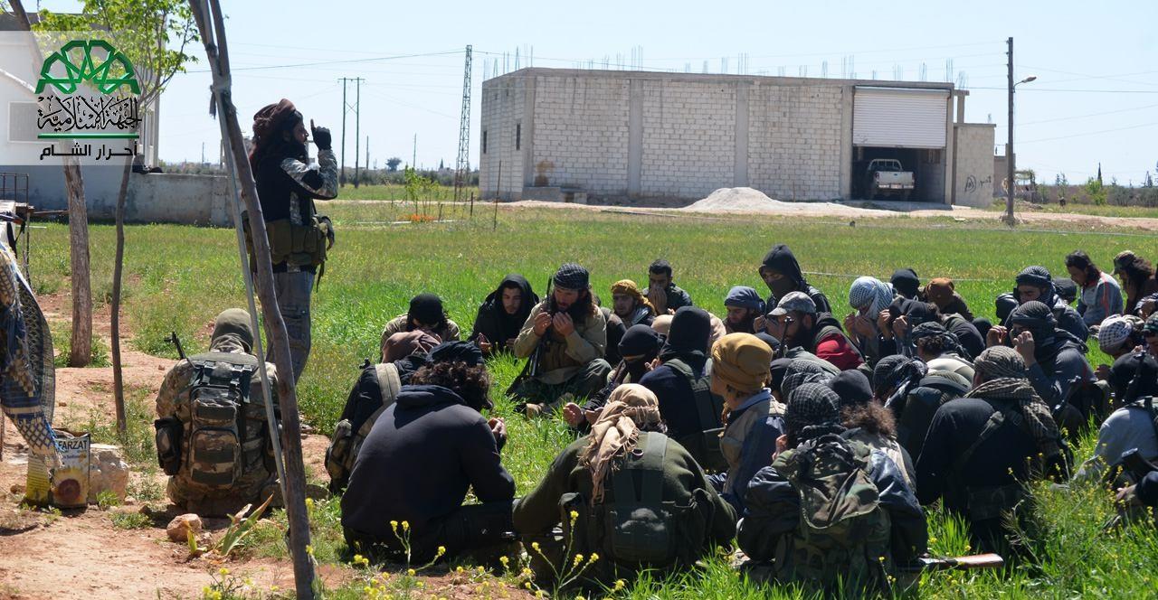 نشرة أخبار سوريا- المجاهدون يتصدون لقوات الأسد في داريا وحلب، ومخابرات الأسد تطمئن اليهود على ممتلكاتهم -(12_7_ 2016)