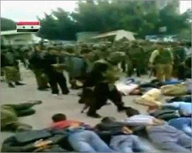 في محاولة لوقف المظاهرات.. النظام السوري يفرج عن مئات المعتقلين