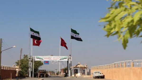 مدير معبر باب الهوى: المعبر مفتوح ويخضع لإدارة مدنية