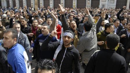 الأغلبية الصامتة في سوريا: خائفة أم خائنة؟؟