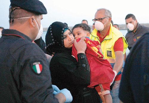 قصة عائلة سورية حملتها قوارب الهجرة غير الشرعية إلى أوروبا