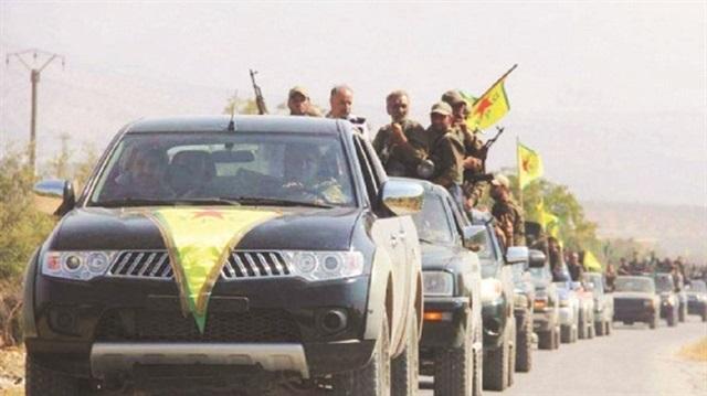 لتجنيدهم في صفوفها: الميلشيات الكردية تسوق الشباب في عفرين