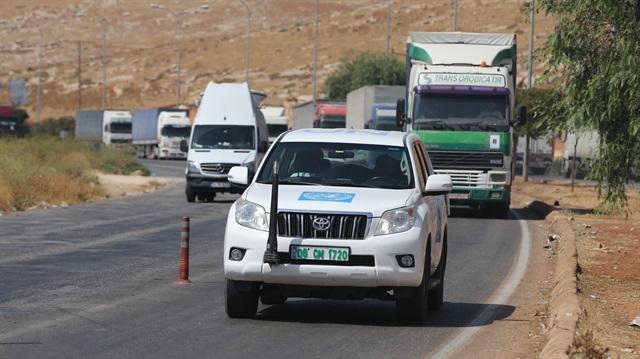 دخول قافلة مساعدات أممية إلى مدينة إدلب شمال سورية
