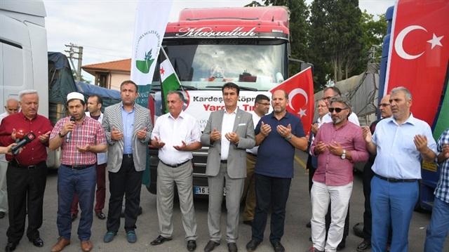 تركيا ترسل قافلة مساعدات إنسانية إلى سورية