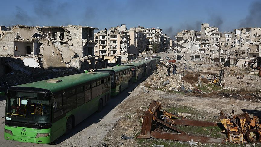 رغم برودة الطقس: استكمال إجلاء الدفعات الأخيرة من مهجري حلب